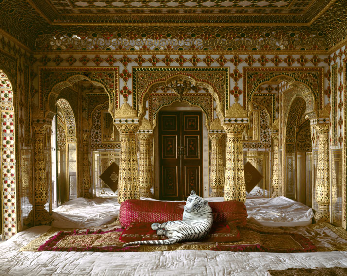 5_Photographer_Karen_Knorr_India_Song_yatzer